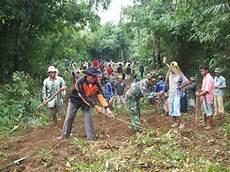 Gotong Royong Masih Tumbuh Subur Di Surade Elang Sukabumi