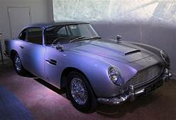 Aston Martin DB5 Goldfinger Front Right 4 National
