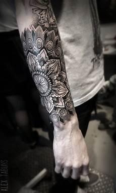 tatouage avant bras homme tattoos tattoos mandala
