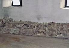 Feuchtigkeit An Der Wand - wasser in der wand bauemotion de