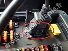 obd2 connector location in mercedes g class w463 1990