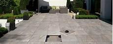 dalle terrasse sur plot castorama dalles c rmiques pour terrasse sur plots maison begge