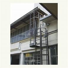 scale con gabbia scale con gabbia di protezione alla marinara