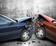 Autounfall Was Tun Als Gesch 228 Digter