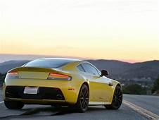 Aston Martin V12 Vantage Reviews