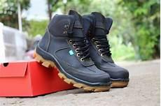 jual sepatu boots pria kickers safety sepatu proyek jual sepatu boots pria kickers safety sepatu proyek lapangan kerja promo terbaru di lapak