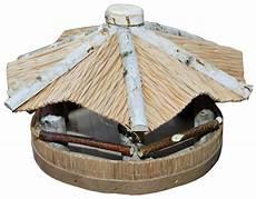 futterhaus vogelhaus aus birkenholz mit strohdach
