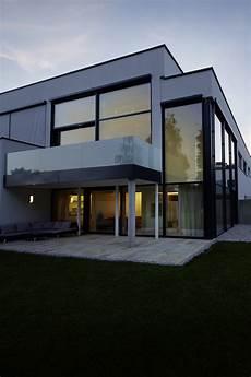 Haus Mit Glasfassade - objekt haus w palisa handwerk f 252 rs leben