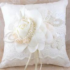 the importance and deserved place for wedding rings accomplished by the sweet decorative pillow