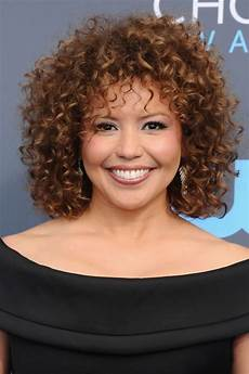 20 best short curly hairstyles 2020 cute short haircuts for curly hair