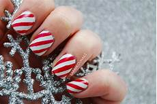 fun and easy christmas candy cane nail designs fashionsy com