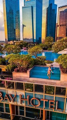 the best luxury hotel in singapore the fullerton bay