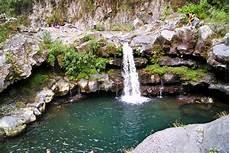 La Couleur De La Terre Cascades Et Bassins De La Rivi 232 Re