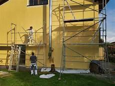 Fassade Streichen So Gelingt Der Neue Hausanstrich