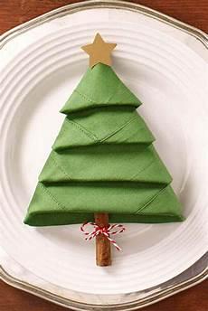 Papierservietten Falten Weihnachten - 25 unique tree napkin fold ideas on
