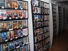 Occasion Lot De 2200 Dvd Locatifs Pr 233 Sentoirs Destockage