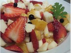 bergamot fresh fruit salad with scented pelargonium leaves_image