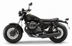 moto guzzi bobber new moto guzzi v9 roamer and bobber feature 850cc v motorcycledaily motorcycle news