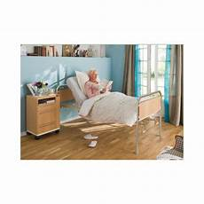 anziani a letto letto ortopedico per anziani e disabili a 2 manovelle