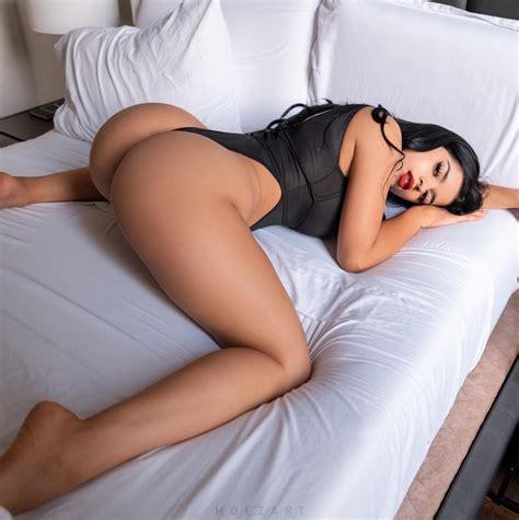 Hot Nude Female Ass