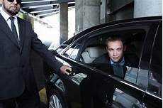 chauffeur uber avis votre premi 232 re course avec chauffeur priv 233 offerte sur avec uber dans la limite de 40