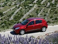 Dacia Sandero Hybrid 2010 Automativ De Das Auto Magazin