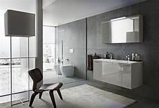 bagni moderni bagno play con finitura laccato lucido grigio chiaro gl 4