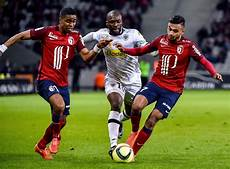 Un Lille Sans Id 233 Es Bute Sur Angers Ligue 1 Football