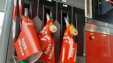 essence ile de bretagne du gazole 224 3 euros le litre en pleine p 233 nurie