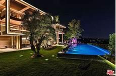 bel air estate made for design conscious bel air s 25 000 sq ft villa sarbonne lists for 88m