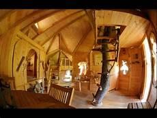 cabane du varon dormir dans une cabane dans les arbres 224 flayosc les