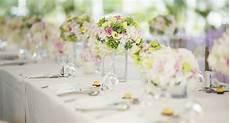 deco centre de table mariage d 233 co mariage les r 232 gles pour un centre de table r 233 ussi cosmopolitan fr