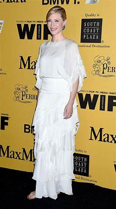 cate blanchett makes a rare fashion flop as dons unflattering gown at award ceremony