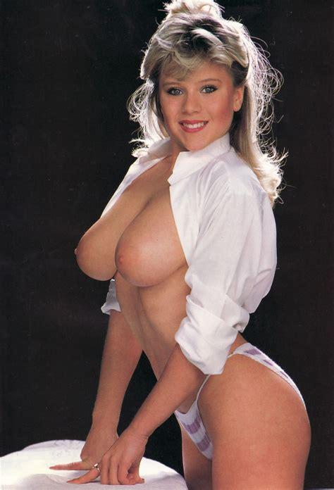Samantha Fox Nude Photos