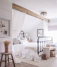 Angled Slanted Ceiling Bedroom Ideas by Best 25 Slanted Ceiling Bedroom Ideas On