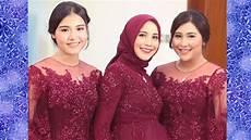 Cara Memakai Jilbab Dua Warna Untuk Wisuda