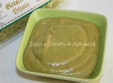 crema pasticcera con crema di pistacchio crema pasticcera al pistacchio ricetta dolce dolci e dolcetti di antonella