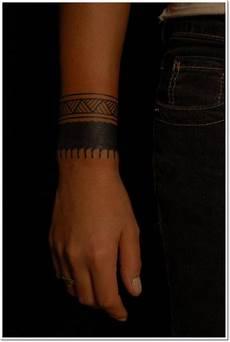 Armband Unterarm - 29 solid wristband tattoos designs