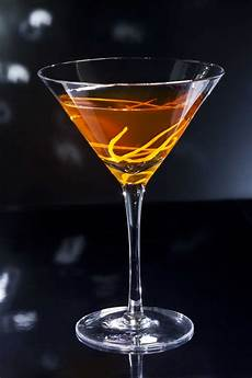 how to make the perfect manhattan cocktail the original