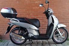 manhattan honda manhattan motorcycles ltd honda sh125 8 silver