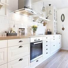 Cuisine Blanche Parquet Carrelage M 233 Tro Maison