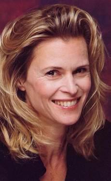 Picture Of Leslie Malton