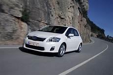 Toyota Auris Hybrid Verbrauch - toyota auris hsd kompakt hybrid innsbruck