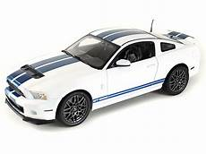 1 18 shelby collectibles white 2013 ford shelby gt500