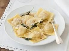 ravioli di zucca alla mantovana ricette zucca mantovana le ricette di giallozafferano