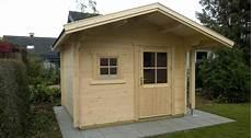 gartenhaus mit holzlager gartenhaus mit satteldach und seitlichem holzlagerplatz 2 gsp blockhaus