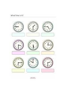worksheet containing 9 analogue clocks showing quarter to times with space to write in the