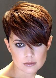 modèle coupe de cheveux femme coupe asym 233 trique courte