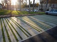 parkplatz gestalten ideen pin by ul augu on h 铺装 parkplatz platzgestaltung zufahrten