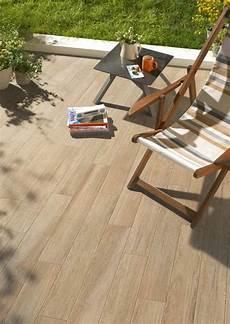 carrelage de terrasse imitation bois carrelage ext 233 rieur imitation bois astuces et id 233 es
